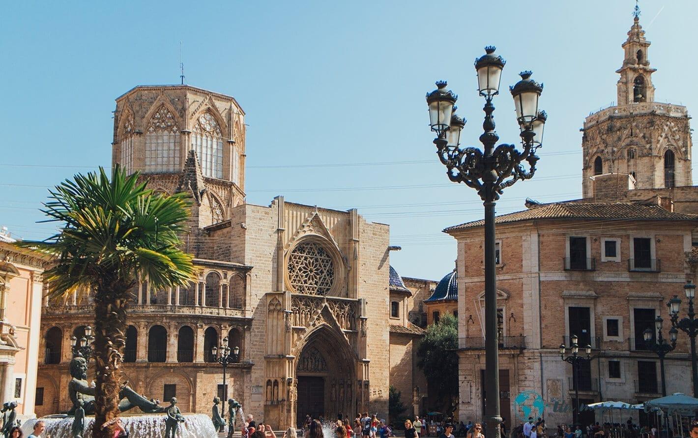 La-Catedral-del-Santo-Caliz