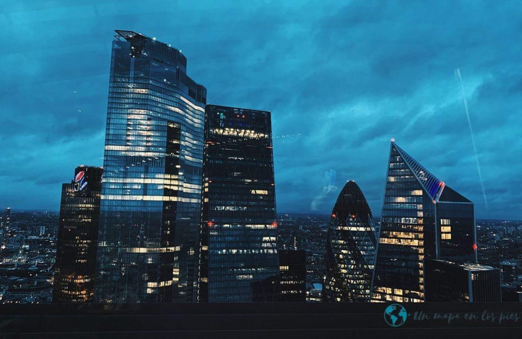 skygarden-noche